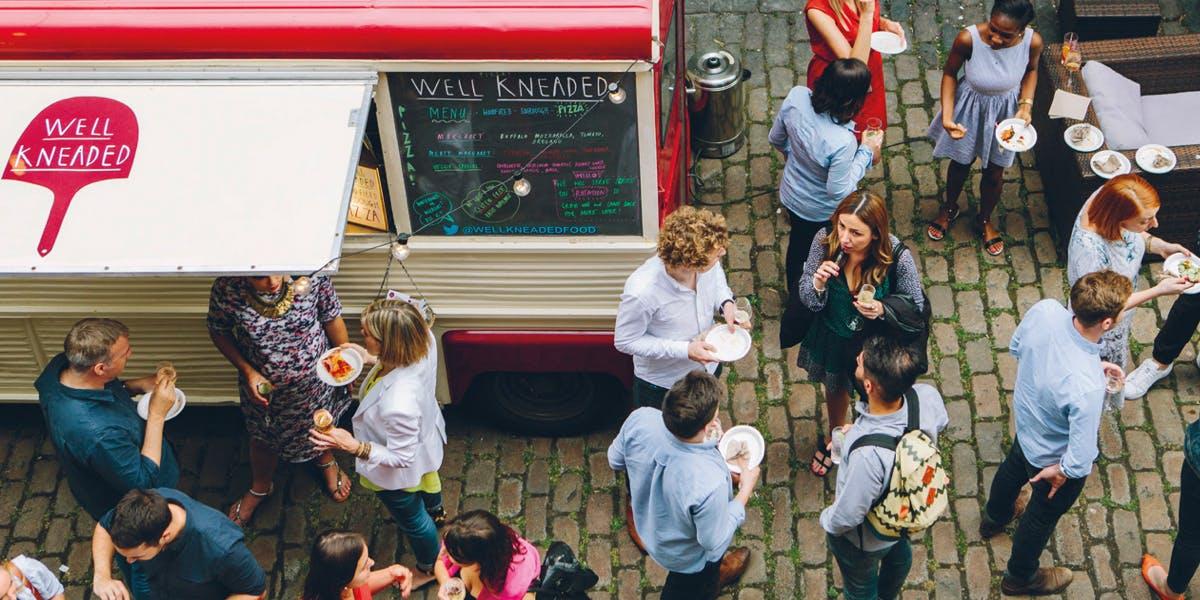 Promocja Get Around the World in 80 Food Trucks, Global Coffee Tour and more!. Na HumbleBundle możesz wybrać jeden z kilku pakietów ebooków w języku angielskim. Czasem cena za najniższy pakiet to nawet 1 dolar. Oprócz tego możesz wesprzeć organizację charytatywną