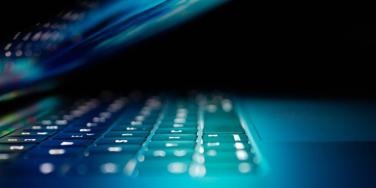 Get Securing Office 365, Personal Cybersecurity, and more!. Na HumbleBundle możesz wybrać jeden z kilku pakietów ebooków w języku angielskim. Czasem cena za najniższy pakiet to nawet 1 dolar. Oprócz tego możesz wesprzeć organizację charytatywną
