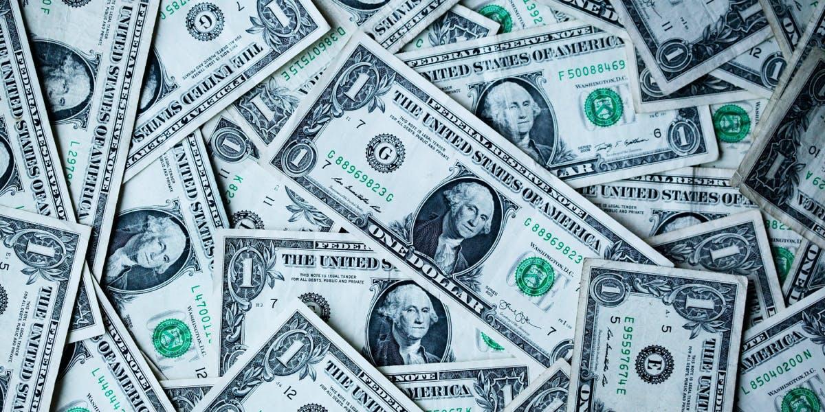 Get Personal Finance in Your 20s & 30s For Dummies and more!. Na HumbleBundle możesz wybrać jeden z kilku pakietów ebooków w języku angielskim. Czasem cena za najniższy pakiet to nawet 1 dolar. Oprócz tego możesz wesprzeć organizację charytatywną